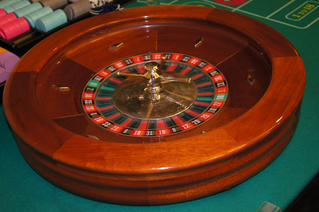 Jacks and Aces Casino Night Roulette Wheel